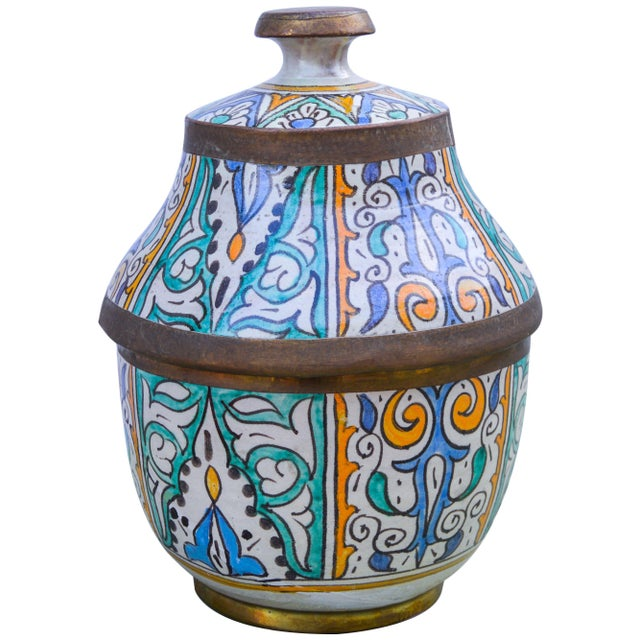 Mid 20th Century Moroccan Ceramic Lidded Bowl With Arabesque For Sale - Image 5 of 12