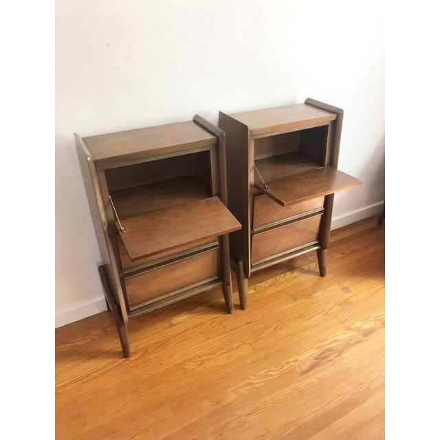 Pair of Mid Century Walnut Nightstands For Sale In San Francisco - Image 6 of 12