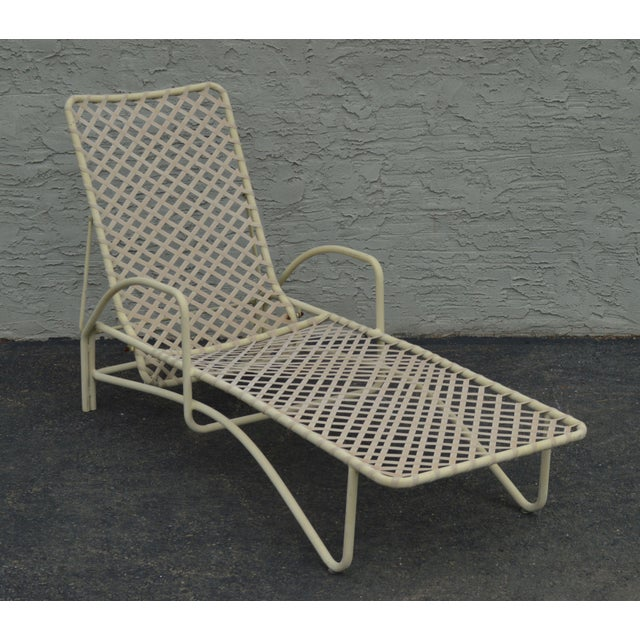 High Quality Vintage Painted Aluminum Frame Chaise Lounge with Vinyl Lacing