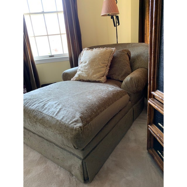 1980s Vintage Oversized Sage Chaise For Sale In New York - Image 6 of 7