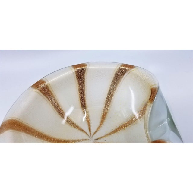 Copper 1950s Murano Glass Bowl by Alfredo Barbini - Circus Tent Design With White Gold and Copper Stripes For Sale - Image 8 of 13