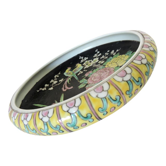 Antique Export Japanese Yellow and Black Chrysanthemum Porcelain Bowl For Sale