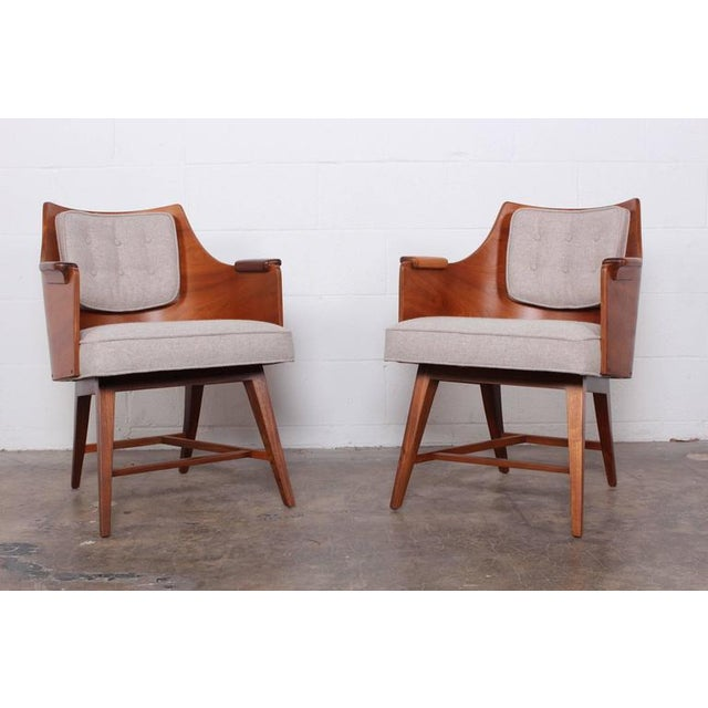 Mid-Century Modern Rare Pair of Lounge Chairs by Edward Wormley for Dunbar For Sale - Image 3 of 10