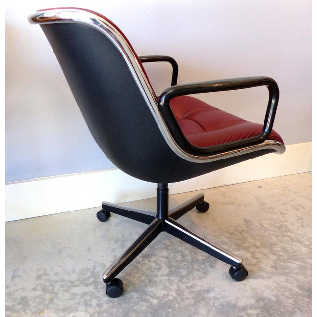 Knoll International Charles Pollack Modern Executive Swivel Chairs for Knoll- 3 Pairs Available For Sale - Image 4 of 12