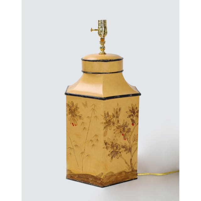 Vintage English Export Chinoiserie Style Yellow Hexagonal Tea Caddy Lamp For Sale In New York - Image 6 of 10