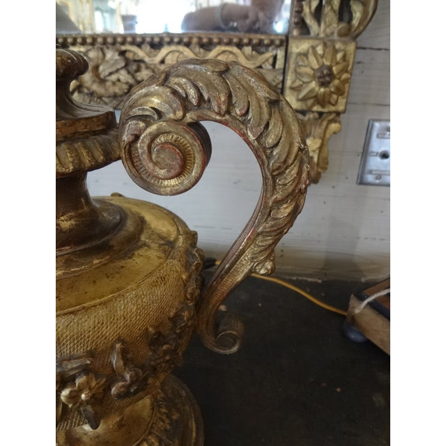 Pair of 18th Century Italian Gilt Wood Urns For Sale In New Orleans - Image 6 of 11