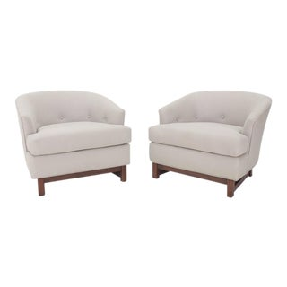 Pair of Mid-Century Modern Barrel Lounge Chairs by Selig For Sale