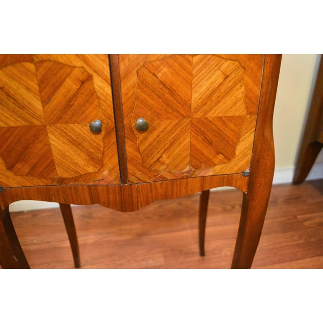 Transitional Inlay Wood Side Tables - A Pair For Sale In Buffalo - Image 6 of 10