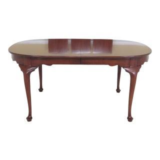 1980s Vintage Henkel Harris Queen Anne Cherry Dining Room Table For Sale