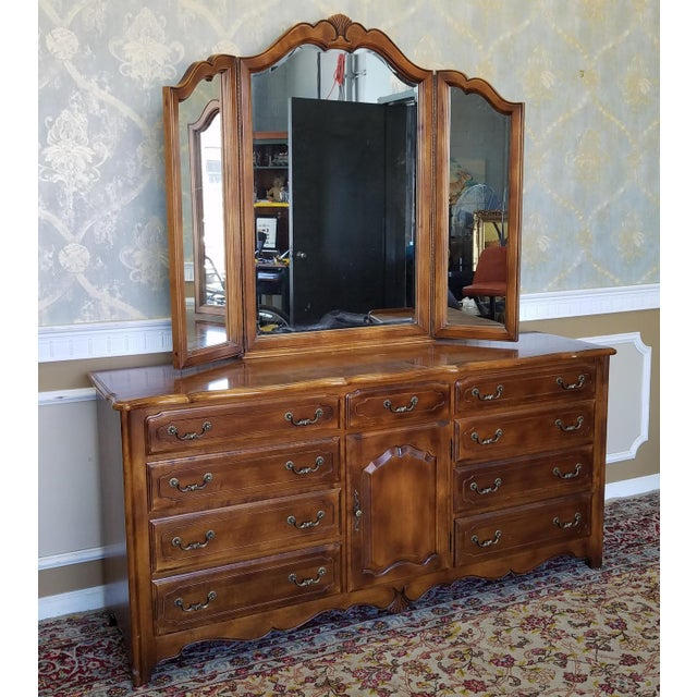 Ethan Allen French Country Bedroom Triple Dresser TriFold - Ethan allen french country bedroom furniture