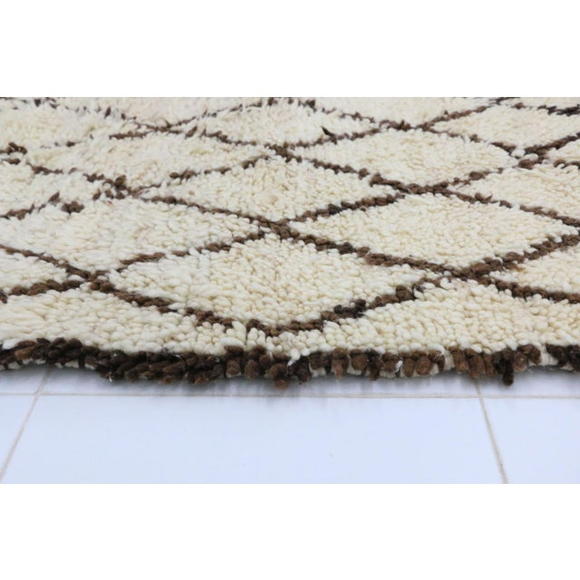 """Islamic Azilal Vintage Moroccan Rug, 3'5' X 5'6"""" Feet For Sale - Image 3 of 6"""