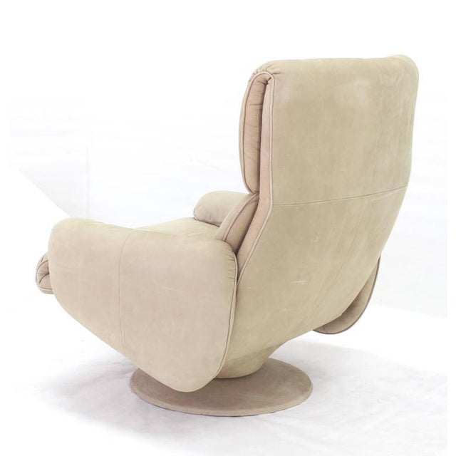 Mid-Century Modern Beige Suede Leather Lounge Chair with Matching Ottoman For Sale - Image 3 of 10
