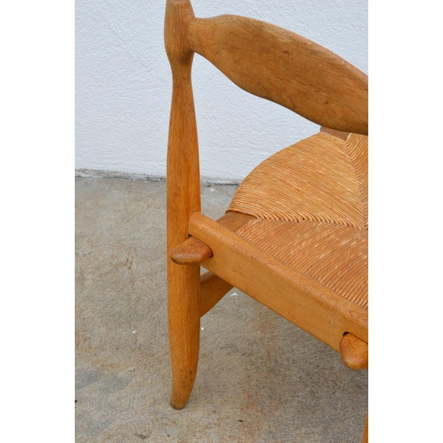 1960s Rare Set of 12 Guillerme Et Chambron Blond Oak and Rush Chairs For Sale - Image 5 of 7
