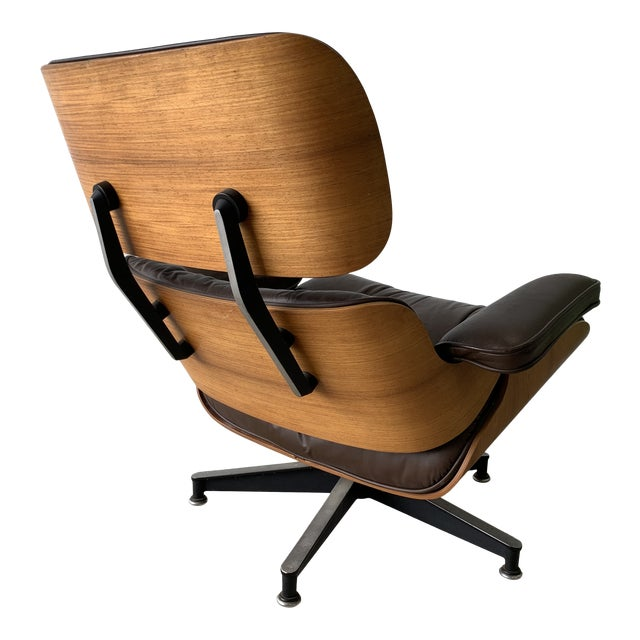 An iconic mid century design executed in Brazilian Rosewood and chocolate leather.