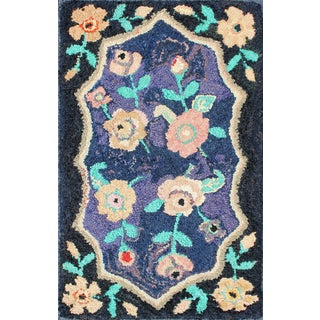American Hooked Rug in Floral Pattern With Medallion on Purple/Blue, Black For Sale