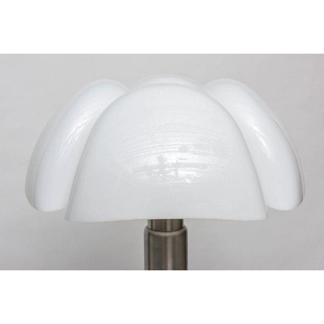 """Contemporary """"Pipistrello"""" Table Lamp by Gae Aulenti for Martinelli Luce For Sale - Image 3 of 11"""