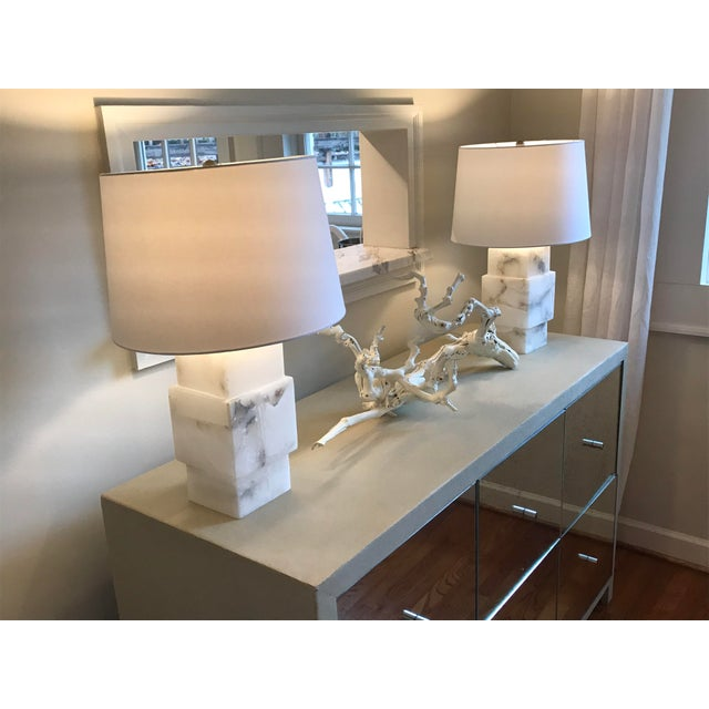 2010s Minimalist Modern Alabaster Lamp With Shade For Sale - Image 5 of 6