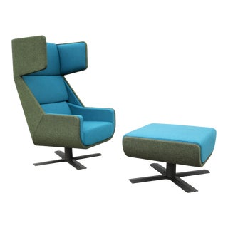 Modern Axel Enthoven for BuzziSpace BuzziMe Swivel Lounge Chair With Ottoman For Sale