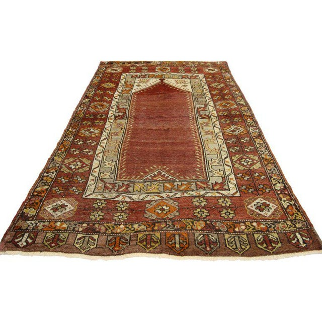 Vintage Turkish Oushak Accent rug - Turkish prayer rug - entry or foyer rug. This vintage Turkish Oushak rug features a...