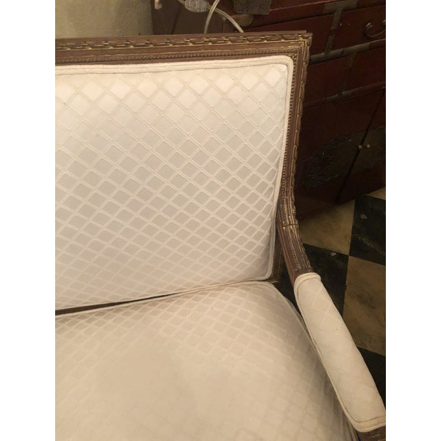 1920s French White Settee For Sale In Tampa - Image 6 of 10
