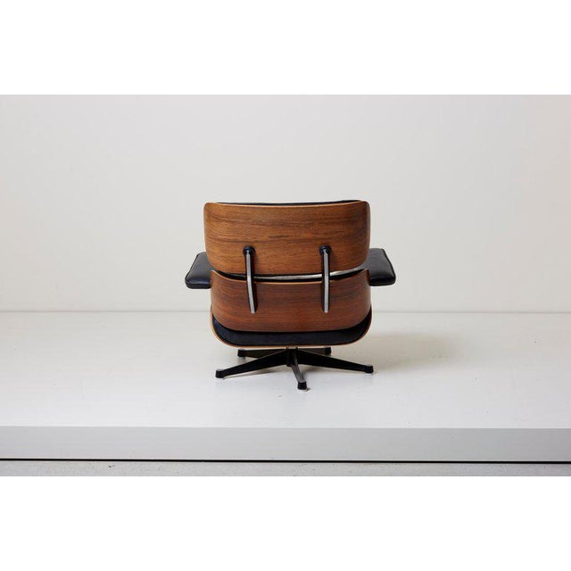 Herman Miller Classic Lounge Chair by Ray and Charles Eames for Herman Miller, 1970s For Sale - Image 4 of 12