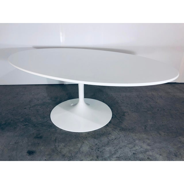 Mid-Century Modern Mid-Century Modern Eero Saarinen for Knoll Oval White Laminate Tulip Coffee Table For Sale - Image 3 of 12