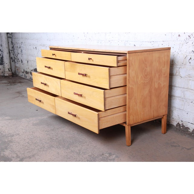 1950s Paul McCobb Perimeter Group Mid-Century Modern Eight-Drawer Dresser or Credenza, 1950s For Sale - Image 5 of 12
