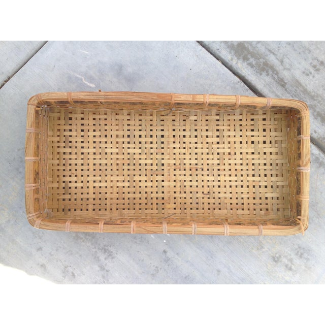 Rustic 20th Century Country Woven Tray Basket For Sale - Image 3 of 7