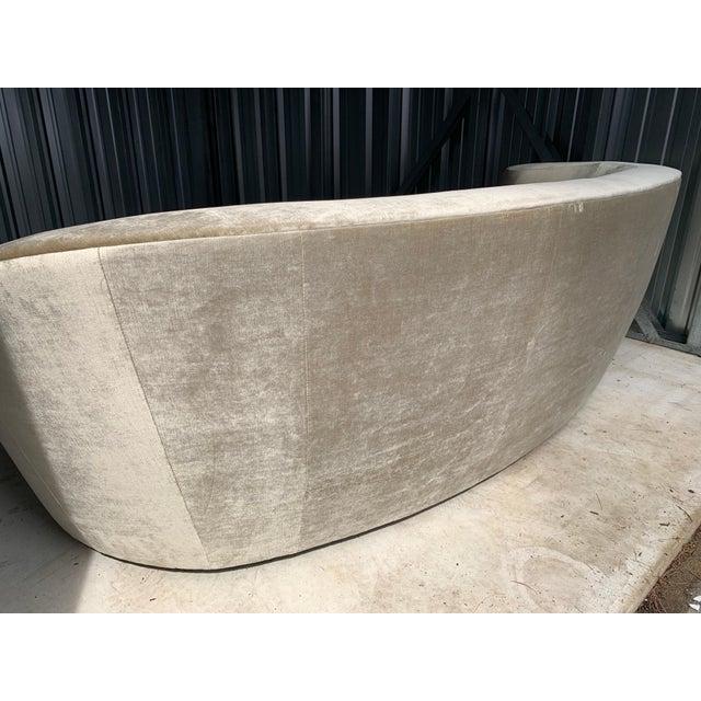"1980s Vladimir Kagan for Directional 'Nautilus' Sofa in ""Moon Beam"" Velvet For Sale - Image 5 of 9"