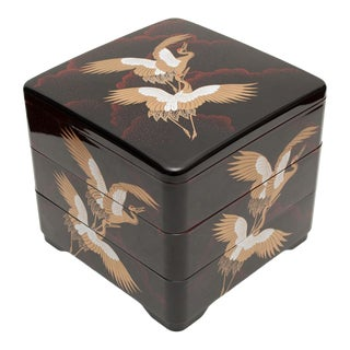 Japanese Lacquered and Painted 3-Tier Red-Crowned Cranes Box For Sale