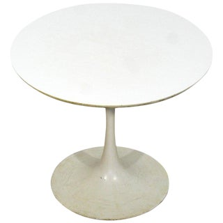1960s Mid-Century Modern Early Saarinen Knoll Round White Tulip Side Table For Sale
