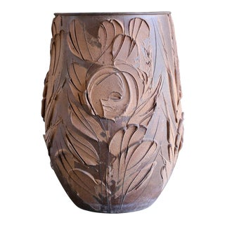 "David Cressey ""Expressive"" Design Ceramic Planter For Sale"