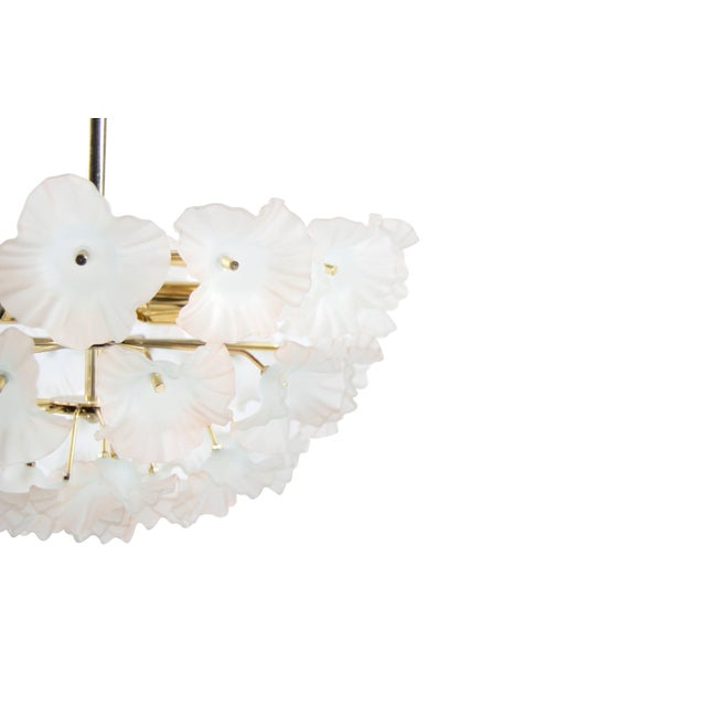 """Italy, 1950s Murano Glass and Brass """"Hibiscus"""" Chandelier For Sale In New York - Image 6 of 10"""