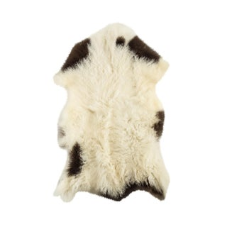 "Contemporary Long Soft Wool Sheepskin Pelt - 2'0""x2'10"" For Sale"