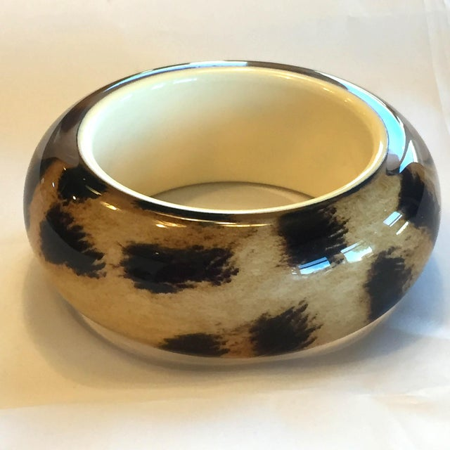 1980s Roberto Cavalli Lucite Resin Animal Print Leopard Oversize Bangle Bracelet For Sale - Image 5 of 5