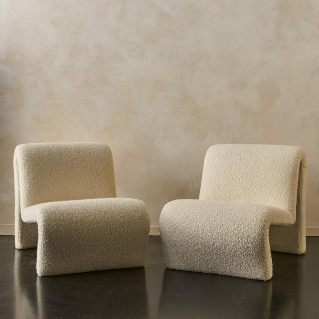 Pair of Curvy Sculptural Lounge Chairs in Ivory Boucle For Sale - Image 11 of 11