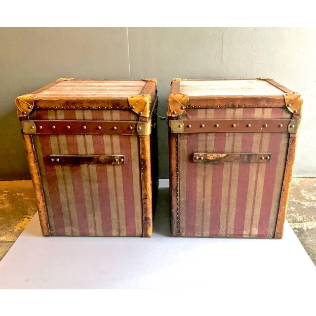 Art Deco Pair of French Canvas and Leather Hat Trunks, Late 19th Century For Sale - Image 3 of 10