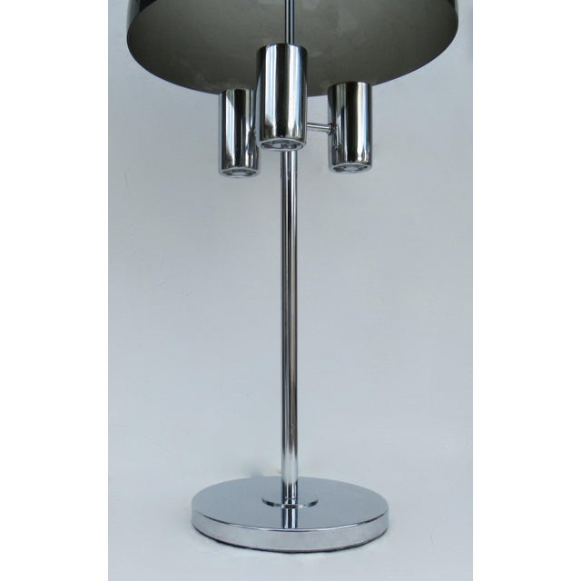 Lightolier 1960's Mid-Century Modernist Space Aged Smoked Lucite and Chrome Mushroom Table Lamp For Sale - Image 4 of 13
