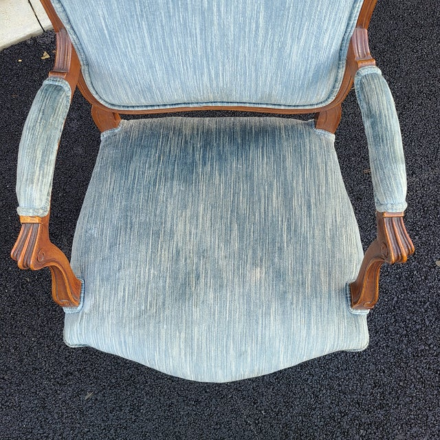 Vintage French Provincial Carved Walnut Occasional Chair For Sale In Philadelphia - Image 6 of 13