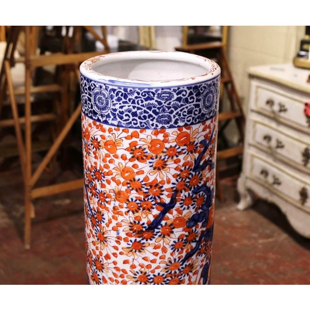 Japanese Early 20th Century Japanese Hand Painted Imari Porcelain Umbrella Stand For Sale - Image 3 of 7