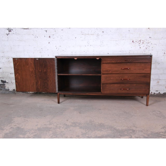 Metal Paul McCobb Perimeter Group Birch Credenza, Newly Restored For Sale - Image 7 of 13