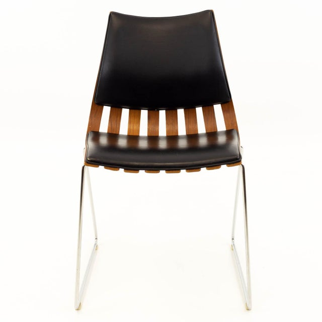 Hans Brattrud Mid Century Teak Padded Scandia Chair for Hove Mobler 20.5 wide x 21 deep x 32 high, with a seat height of...