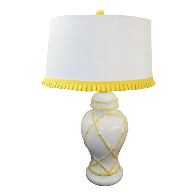 Vintage Faux Bamboo Palm Beach Regency Yellow and White Ginger Jar Pleated Trimmed Shade Table Lamp For Sale