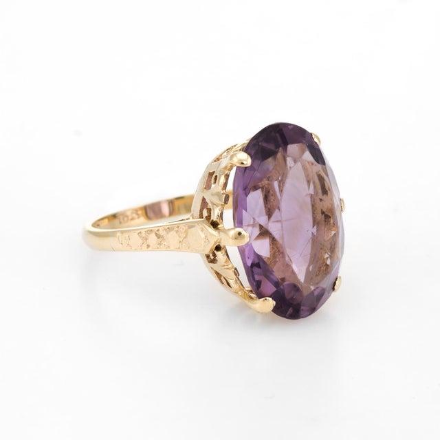 Modern Vintage Amethyst Ring 9 Karat Gold Large Cocktail English Estate Fine Jewelry For Sale - Image 3 of 8