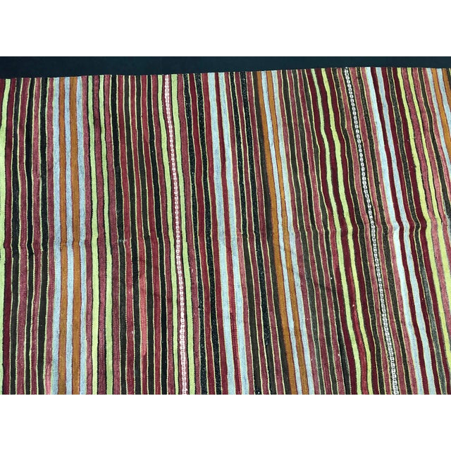 1960s Vintage Handwoven Turkish Kilim Rug - 5′3″ × 10′11″ For Sale - Image 9 of 11