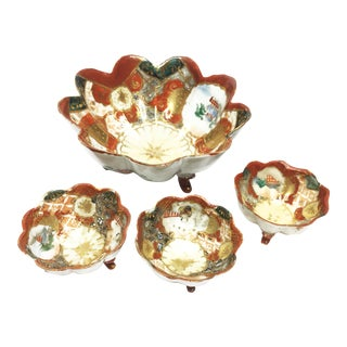 1910s Antique Hand Painted Gilded Porcelain Chinese Footed Bowls - Set of 4 For Sale