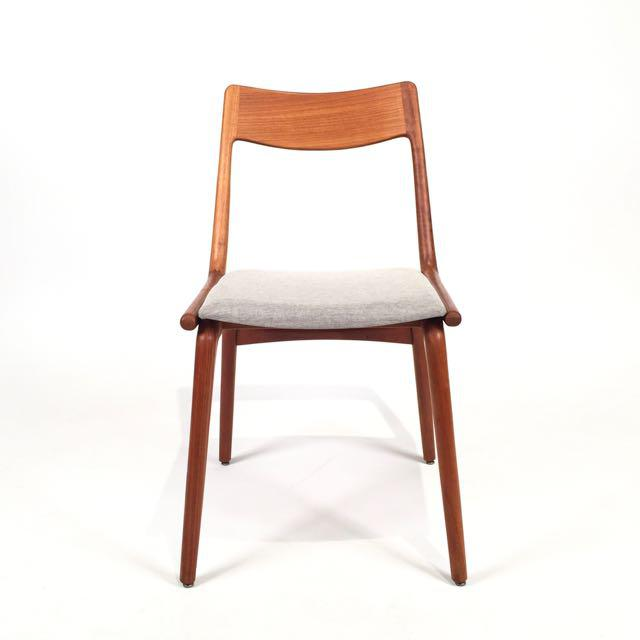 An awesome set of six teak dining chairs by Erik Christensen for Slagelse Mobelfabrik. Christensen was not only a designer...