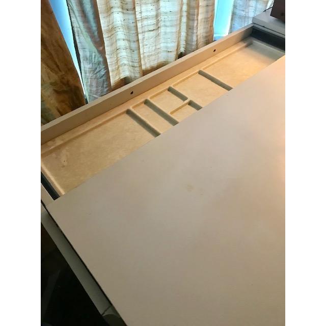 Mid-Century Modern Vintage Raymond Loewy Df2000 Desk For Sale - Image 3 of 11