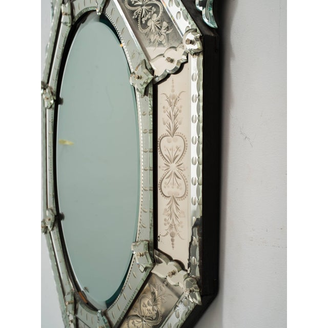 1930s Octagonal Venetian Mirror With Crown For Sale In New York - Image 6 of 10