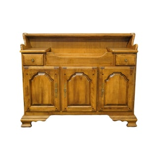 20th Century Early American Temple Stuart Rockingham Solid Hard Rock Maple Buffet/Dry Sink For Sale